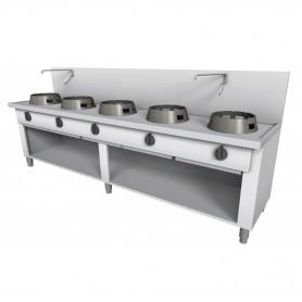 Cucina Wok - Su Vano a Giorno, Alzatina e Rubinetto a Leva - 5 Fuochi - 2500x700x850h mm